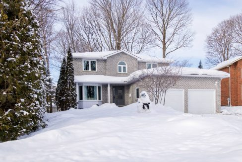 19 Robinhood Crt, North Bay Real Estate Laframboise Team, Realty Executives